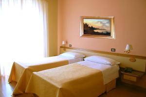 Hotel Ristorante Donato, Hotely  Calvizzano - big - 32