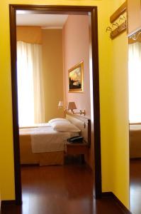Hotel Ristorante Donato, Hotely  Calvizzano - big - 27