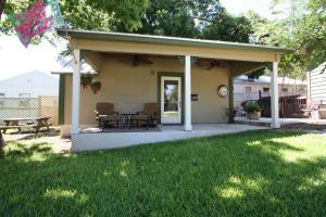 Agape Cottage - Accommodation - Fredericksburg