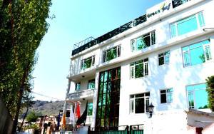 Hotel Green Leaf