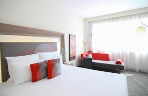 Suite Executive con cama grande y sofá (3 adultos)