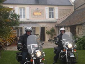 Chambres et Tables d'hôtes à l'Auberge Touristique, Bed & Breakfast  Meuvaines - big - 36