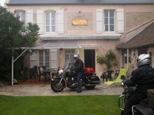 Chambres et Tables d'hôtes à l'Auberge Touristique, Bed & Breakfast  Meuvaines - big - 70