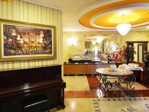 Hotel Austria, Szállodák  Tirana - big - 54