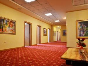 Hotel Austria, Szállodák  Tirana - big - 57