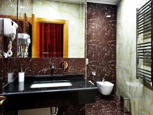 Hotel Austria, Hotely  Tirana - big - 13