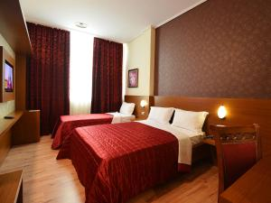 Hotel Austria, Szállodák  Tirana - big - 11