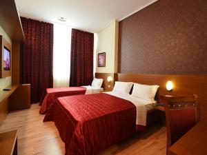 Hotel Austria, Hotels  Tirana - big - 11