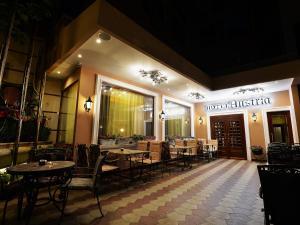Hotel Austria, Hotely  Tirana - big - 49