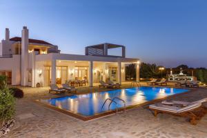 Belvedere Beachfront Villa