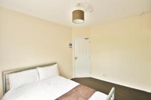 Central Studios Hatherley by RoomsBooked