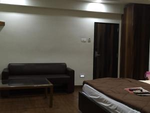 12 Star Garuda, Hotel  Pune - big - 2