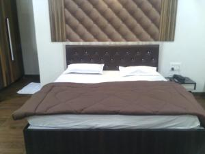 12 Star Garuda, Hotels  Pune - big - 10