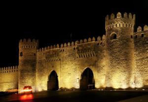 Апартаменты Дуплекс на площади Фонтанов и Старого города, Баку