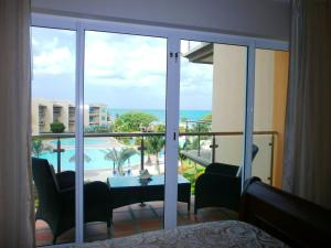 Bella Vista Two-bedroom condo - BC356, Appartamenti  Palm-Eagle Beach - big - 2