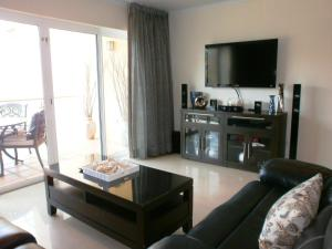 Bella Vista Two-bedroom condo - BC356, Appartamenti  Palm-Eagle Beach - big - 4