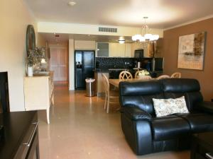 Bella Vista Two-bedroom condo - BC356, Appartamenti  Palm-Eagle Beach - big - 43