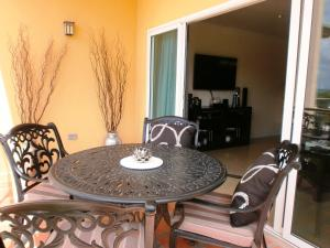 Bella Vista Two-bedroom condo - BC356, Appartamenti  Palm-Eagle Beach - big - 26