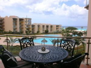 Bella Vista Two-bedroom condo - BC356, Apartmány  Palm-Eagle Beach - big - 8