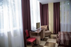 Отель Фестиваль, Отели  Адлер - big - 24
