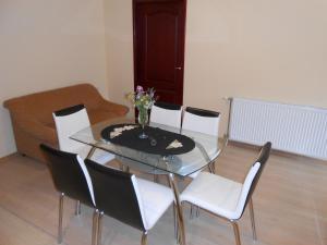 Apartment Mladenovic