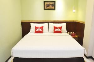 ZEN Rooms KH Mas Mansyur, Hotely  Surabaya - big - 1