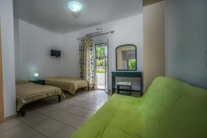 Tesys Studios and Apartments