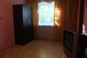 (Apartment On Shaposhnikova 2)
