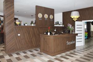 Hotel Jasmine, Отели  Атырау - big - 28