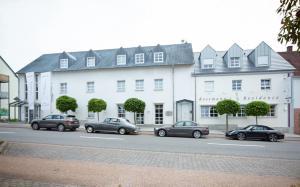Ressmann`s Residence