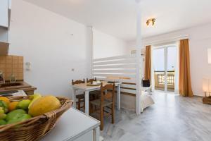 Castello Bianco Aparthotel, Apartmánové hotely  Platanes - big - 13