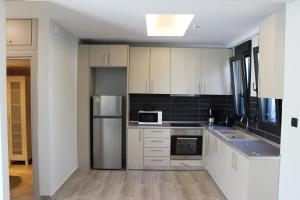 Housing Pefkos II, Apartmány  Nea Fokea - big - 44