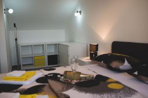Apartments Sunny Garden, Apartments  Brodarica - big - 10