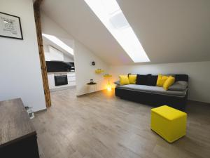 Apartments Sunny Garden, Apartments  Brodarica - big - 2