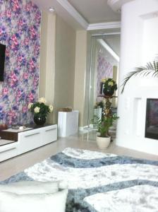 Apartments on Leonova