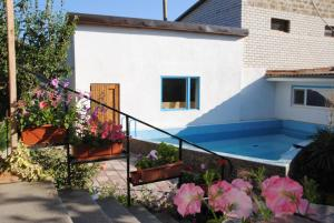Guest House U Tatyany, Guest houses  Malorechenskoye - big - 13