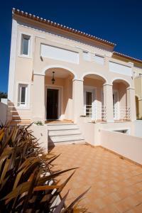 Villa Vista Real