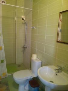 Guest House Granat, Penzióny  Kabardinka - big - 3