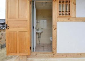Suaedang Hanok Stay, Гостевые дома  Andong - big - 28