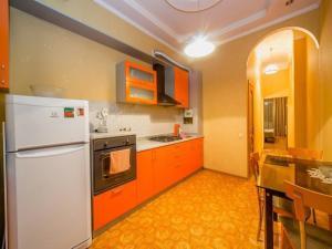 (Apartments on Bolshaya Sadovaya 34)
