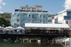 Lotos Hotel