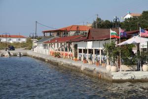 Keros Apartments