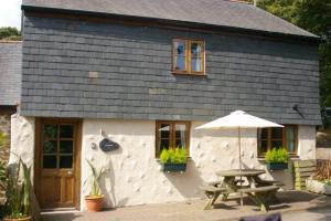 St Keverne Cottage 378750