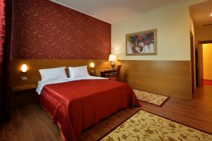 Тирана - Hotel Austria