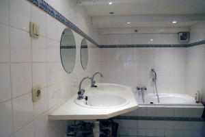 Perfectly located Amstel apartment