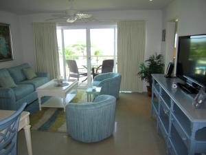 Royal Aquamarine Three-bedroom condo - BC252, Ferienwohnungen  Palm-Eagle Beach - big - 3