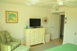 Royal Aquamarine Three-bedroom condo - BC252, Apartments  Palm-Eagle Beach - big - 4