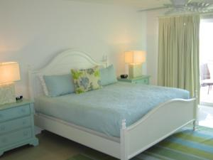 Royal Aquamarine Three-bedroom condo - BC252, Ferienwohnungen  Palm-Eagle Beach - big - 2