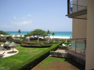 Royal Aquamarine Three-bedroom condo - BC252, Ferienwohnungen  Palm-Eagle Beach - big - 11
