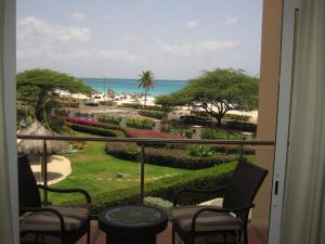 Royal Aquamarine Three-bedroom condo - BC252, Ferienwohnungen  Palm-Eagle Beach - big - 15